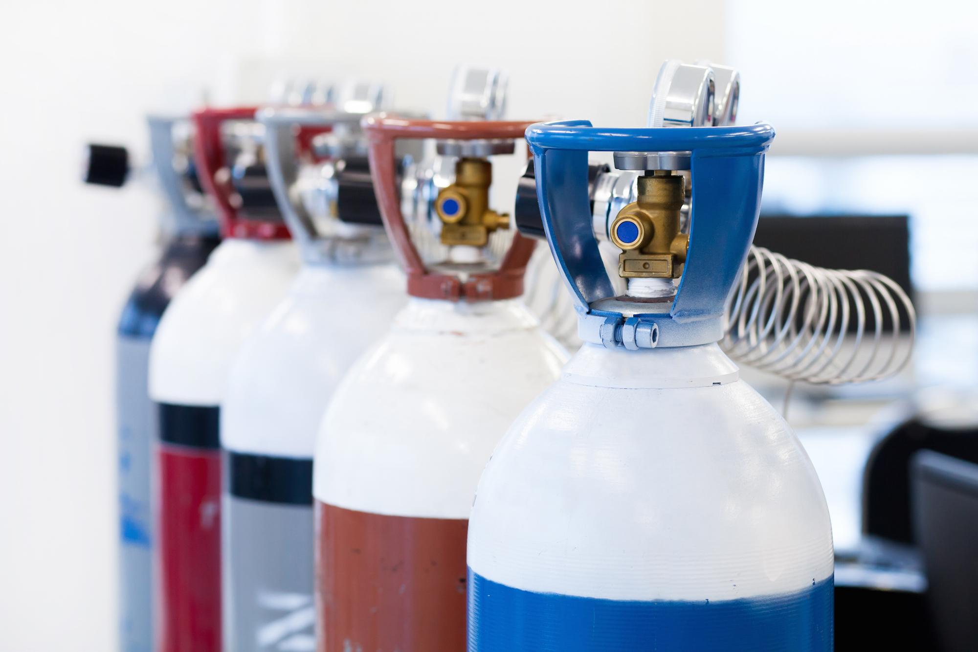Ar, oxigênio, nitrogênio e argônio-hidrogênio: qual gás escolher para o corte a plasma?