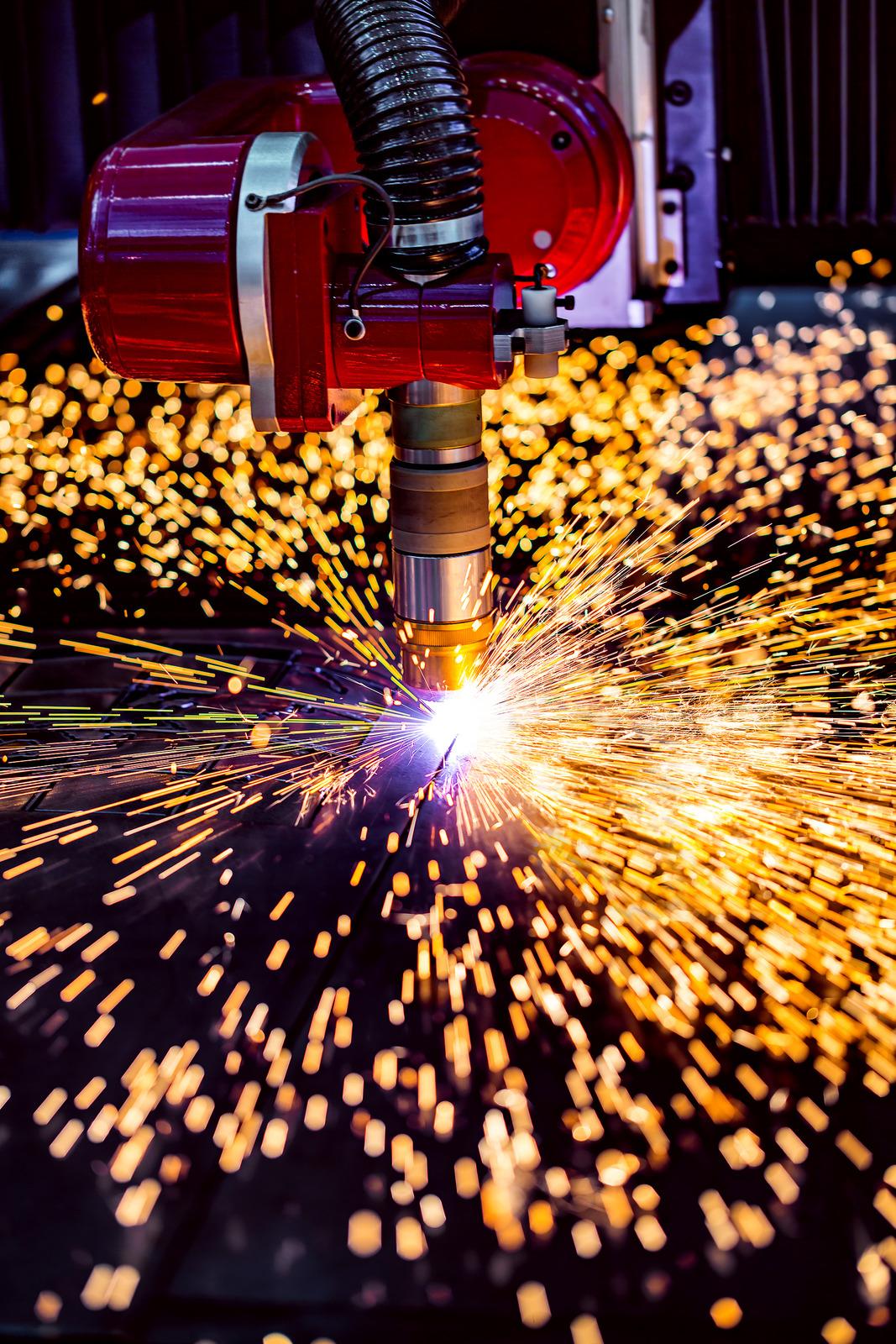 Automação na indústria e o corte a plasma: Entenda essa relação
