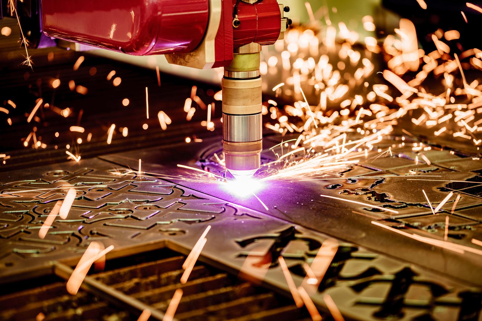 Qual a diferença entre corte a plasma e corte a laser?